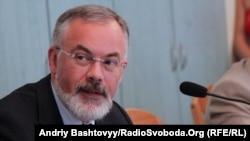 Министр образования, науки, молодежи и спорта Дмитрий Табачник (архивное фото)