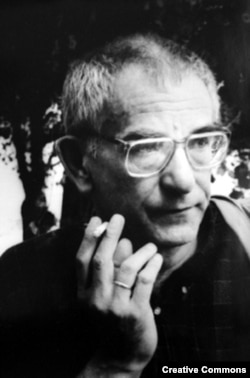 Кшиштоф Кисловский (Кесьлёвский) на Венецианском кинофестивале, 1994. Фото Alberto Terrile