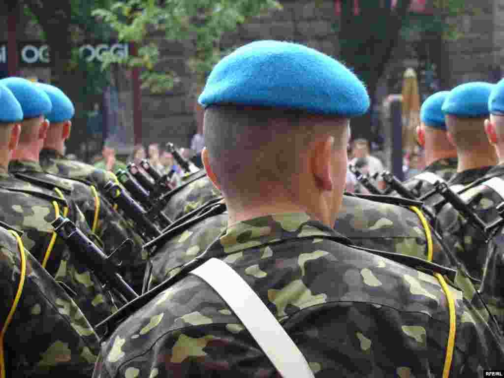 У параді беруть участь 75 військовослужбовців із Росії.