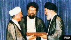 مراسم تنفیذ حکم ریاست جمهوری هاشمی برای دور دوم- سال ۱۳۷۲