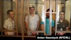 Soldan sağğa: Ruslan Zeytullayev, Rustem Vaitov, Nuri Primov, Ferat Sayfullayev