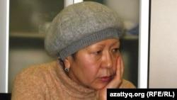 Лейла Мухлисова, жазасын өтеушінің әпкесі. Астана, 23 желтоқсан 2010 жыл