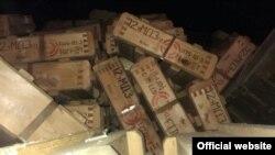 """Боеприпасы, которые вез задержанный """"КамАЗ"""" - фото с официального сайта Погранслужбы Украины."""