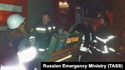 Десетина лица итно биле однесени во болница веднаш по пристигнувањето на спасувачките екипи во Красногорск