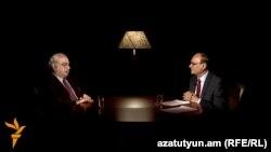 Պրոֆեսոր Ժիրայր Լիպարիտյանը և «Ազատություն» ռադիոկայանի հայկական ծառայության տնօրեն Հրայր Թամրազյանը: