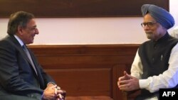 Леон Панетта и премьер-министр Индии Манмохан Сингх