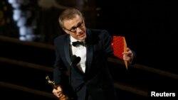 """Кристоф Валц Ҳолливуднинг сара режиссёри Квентин Тарантино суратга олган """"Озод Жанго"""" вестернида роли учун Оскар мукофотига сазовор бўлди."""