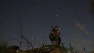 Ніч на бойовій позиції українських військових у Луганській області