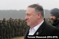 Майк Помпео на военной базе Бемово в Польше