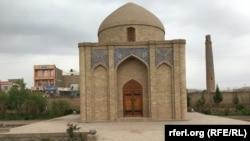 آرامگاه امیرعلی شیرنوایی در ولایت هرات