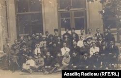 Azərbaycan Parlamentinin işçiləri. 1919
