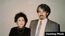 С супругой Манзурой Якубовой