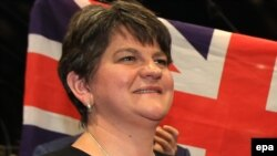 Arlene Foster, lidera Partidului Unionist Democrat nord-irlandez (DUP)