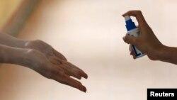 У садках і школах посилений контроль за режимом миття рук та вологого прибирання приміщень