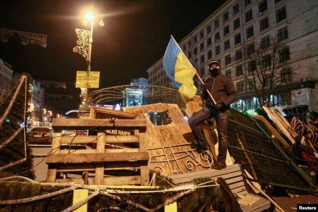 Baricade în Piaţa Independenţei la Kiev