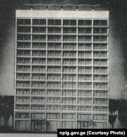 """""""საქკვებმრეწსახპროექტის"""" შენობა. აქ ახლა ბანკი """"ქართუა"""" განთავსებული"""