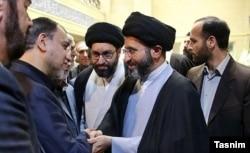 مهدی فضائلی در کنار مسعود و میثم خامنهای