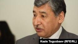 Экс-депутат Камал Бұрханов.