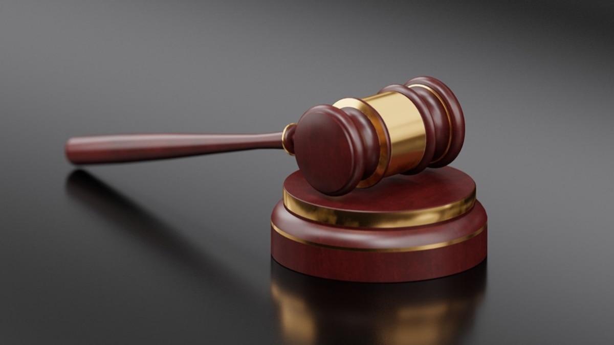Чехия: обвинение просит 15 лет для гражданина Беларуси, который воевал против Украины в Донбассе