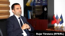 Drejtori i Odës Ekonomike Amerikane në Kosovë, Arian Zeka