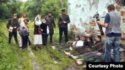 Під час зйомок фільму «Сталеві строфи Марка Боєслава» (фото Зіновія Бойчука)