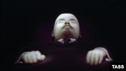 Moskva, Movzoleydə Lenin nəşi,30 oktyabr 1993