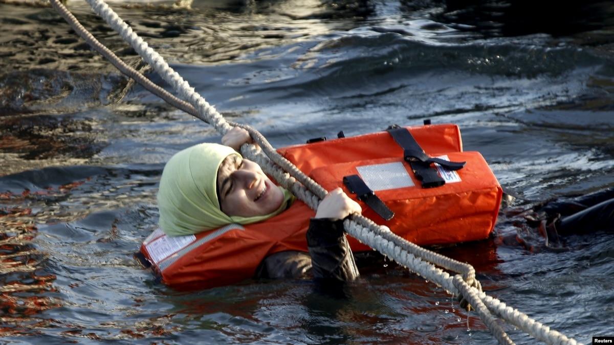 В Средиземном море за выходные спасли более 480 мигрантов