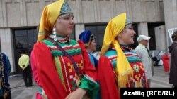 Удмуртские артисты из Кукморского района Татарстана. 30 августа 2014 года. Казань.