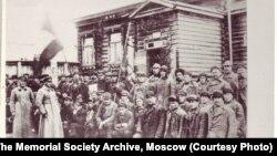 Заключенные на строительстве Беломорканала, 1932 год.