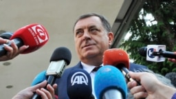 Optužbe da pravi paravojne formacije: Milorad Dodik
