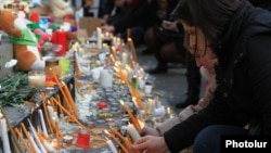 Armenia - A candlelight vigil in Yerevan's Liberty Square for 6-month-old Seryozha Avetisian, the youngest victim of a family massacre in Gyumri, 20Jan2015.
