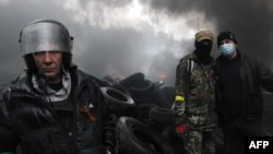اسلاویانسک صحنه درگیری بوده و دولت به شبهنظامیان برای تسلیم سلاحهای خود ضربالاجل داده است