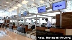 Терминал нового аэропорта Исламабада, продемонстрированный журналистам во время пресс-тура. 18 апреля 2018 года.