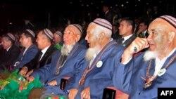 Пожилые мужчины-туркмены. Иллюстративное фото.