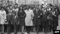 """Иллюстративное фото - """"Марш на Мемфис"""", 9 апреля 1968 года."""
