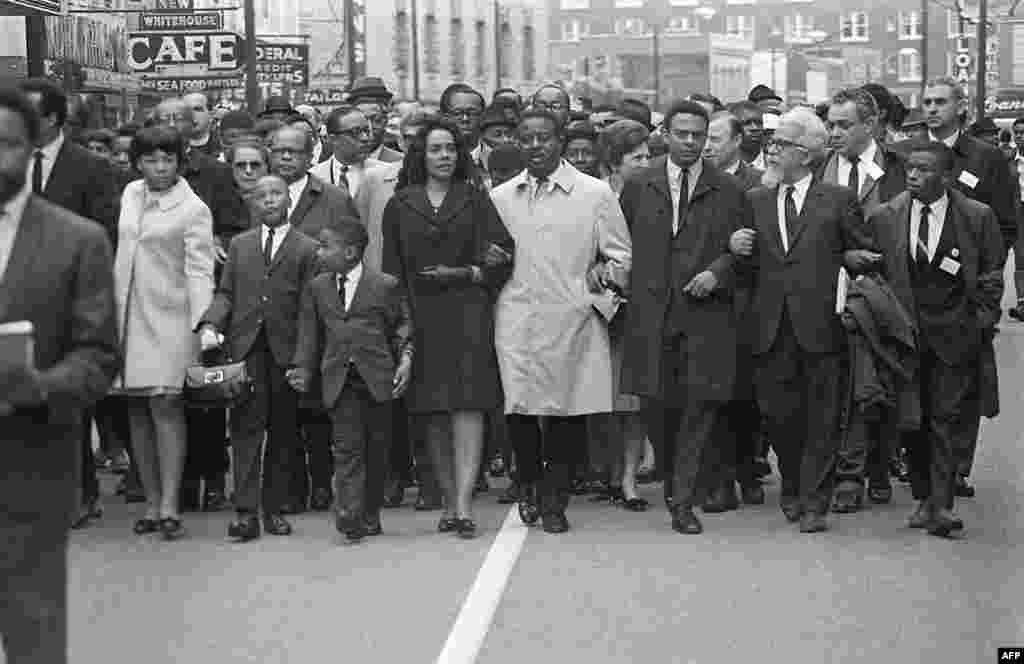 Coretta Scott King (fifth from right) leads the March on Memphis on April 9, 1968, five days after her husband,  Martin Luther King Jr., was assassinated in Memphis, Tennessee. On her right, the couple's daughter, Yolanda, walks with her brothers Martin and Dexter.
