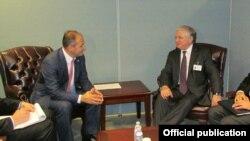 Встреча глав МИД Армении и Косова в Нью-Йорке, 26 сентября 2013 г. (Фотография - пресс-служба МИд Армении)