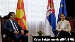 Ana Bërnabiq dhe Zoran Zaev gjatë takimit të sotëm në Beograd
