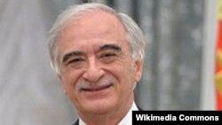 Полад Бүлбүл оглу Азербайжандын Орусиядагы элчиси болуп 2006-жылы дайындалган.