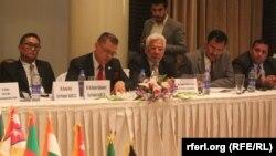 افغانستان، پاکستان، هند، بنگله دیش، مالدیف، نیپال ، بوتان و سریلانکا اعضای سارک میباشند.