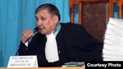 Судья Аралбай Нағашыбаев. Ақтау, 27 наурыз 2012 жыл. (Lada.kz сайтының суреті)