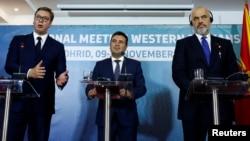 Зліва направо: президент Сербії Александар Вучич, прем'єр-міністр Північної Македонії Зоран Заєв, прем'єр-міністр Албанії Еді Рама на зустрічі в Охриді, Північна Македонія, 10 листопада 2019 року