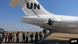 Sudani Jugor - Personeli i Kombeve të Bashkuara duke u evakuuar nga Juba, 23 dhjetor 2013