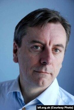 نیک جیمز، سردبیر مجله معتبر سایت اند ساند