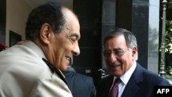المشير حسين طنطاوي يستقبل وزير الدفاع الأميركي ليون بانيتا