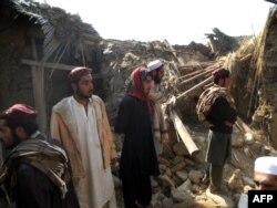 Студенты исламского учебного центра в Хайбер-Пахтунхва, уничтоженного американским беспилотным самолетом