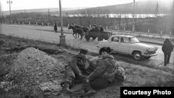 Снимок времен войны в Приднестровье (из архива корреспондента Радиостанции Свободная Европа Дмитрия Борко)