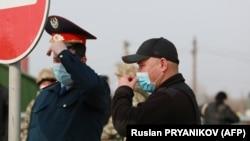 Алматы шетіндегі блокпост. 2020 жылдың наурызы.