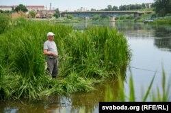 Рыбак у цэнтры Горадні