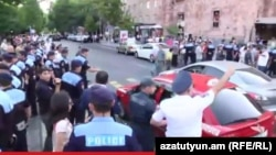 Armenia - Activists are holding a protest in Republic Square in Yerevan, 27Jul, 2015